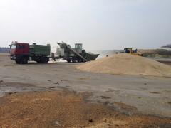 Mahl- und Mischdienst R. & M. Voigt, mahlen von Energie Roggen für eine Biogas Anlage