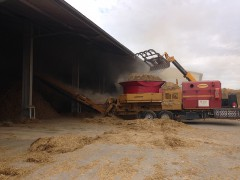 Mahl- und Mischdienst R. & M. Voigt, Stroh mahlen für eine Milchvieh Anlage