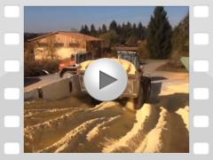 Mahl- und Mischdienst R. & M. Voigt, Video - Körnermais Ernte 2015