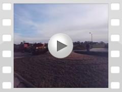 Mahl- und Mischdienst R. & M. Voigt, Video - zerkleinern von Gras SilaMahl- und Mischdienst R. & M. Voigt, Video - zerkleinern von Zuckerrüben für die Schweine Mast und Biogasanlagen